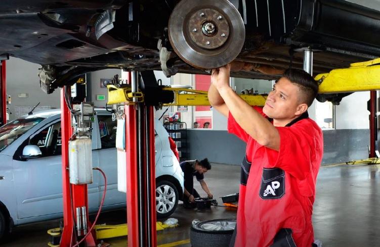 Foto importancia de revisión del vehículo